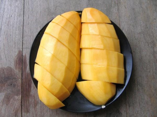 มะม่วงสุก ผลไม้ที่คิดว่ากินแล้วไม่อ้วน