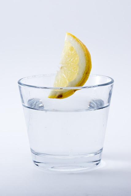 น้ำเปล่า ดื่มเพื่อสุขภาพ
