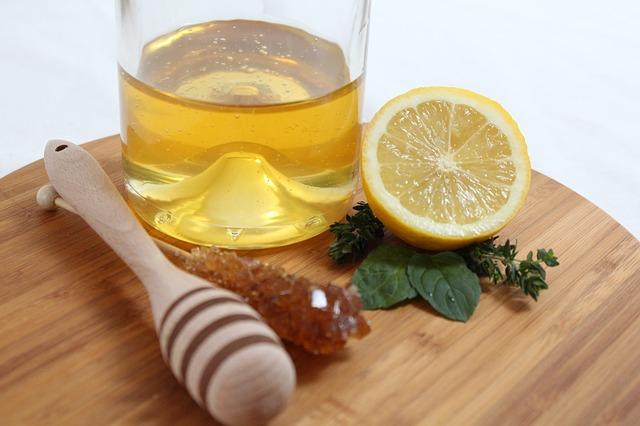 รักษาสิวด้วยน้ำผึ้งมะนาว